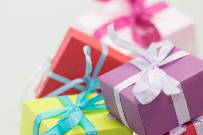 online gifts to Pakistan